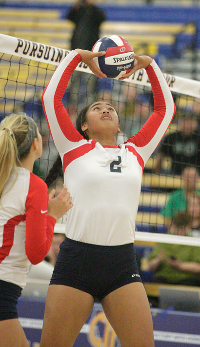Last year's Junior of the Year Norene Iosia is back for Redondo Union. Photo by Ray Vidal